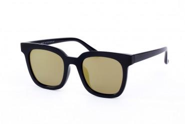 Poliarizuoti veidrodiniai saulės akiniai