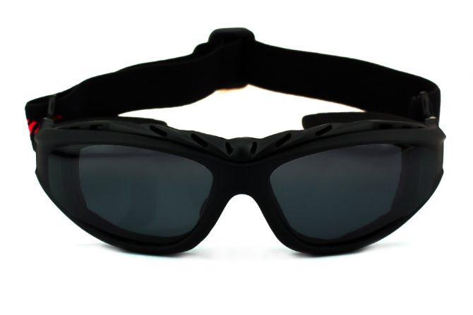 Sportiniai akiniai su gumyte