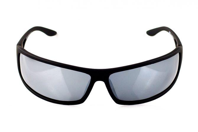 Sportiniai sidabriniai akiniai
