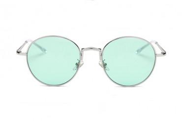Žalsvi skaidrūs akinių stiklai