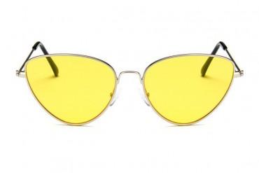 Akiniai moterims geltonais lęšiais